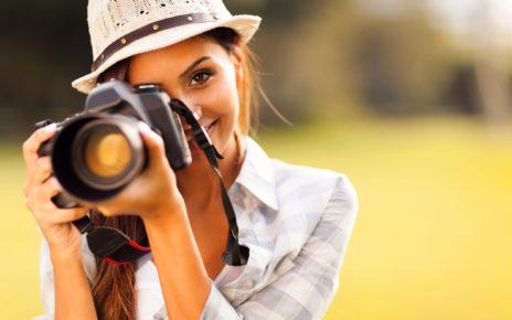 Dzięki nam aparat Cię pokocha! Podajemy niezawodne triki na makijaż fotograficzny