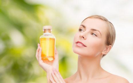 Dlaczego warto zmywać makijaż olejami?